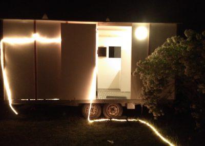 k-caravane-blanche nuit