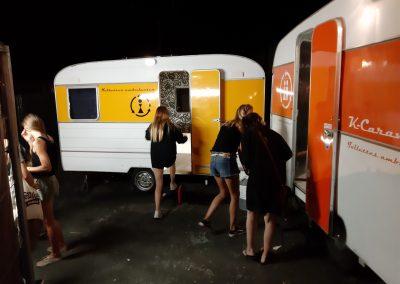 k-caravane jaune & orange install